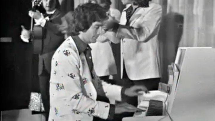 """Cachitos de hierro y cromo - CHACHO """"Usted abusó"""" (Voces a 45, 1976)"""