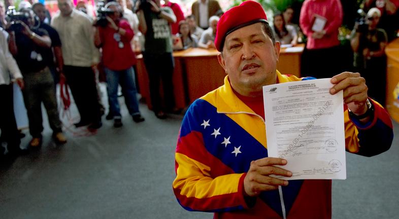Chavez formaliza su candidatura a las presidenciales del 7 de octubre