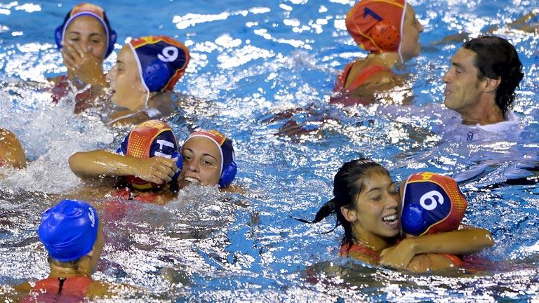 Las chicas del waterpolo logran un oro hist rico en los mundiales de barcelona - Las chicas de oro espana ...