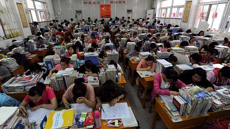 China celebra hoy el 'gaokao', la Selectividad más multitudinaria del mundo