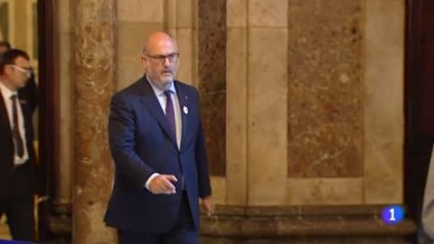 El choque entre ERC y JxCat por la suspensión de Puigdemont obliga a desconvocar el pleno del Parlament