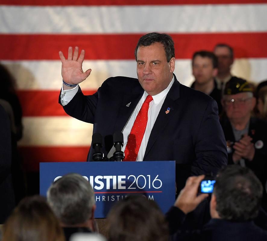 Chris Christie abandona la lucha por ser el candidato republicano