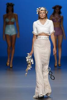 CIBELES MADRID FASHION WEEK-MARÍA ESCOTÉ