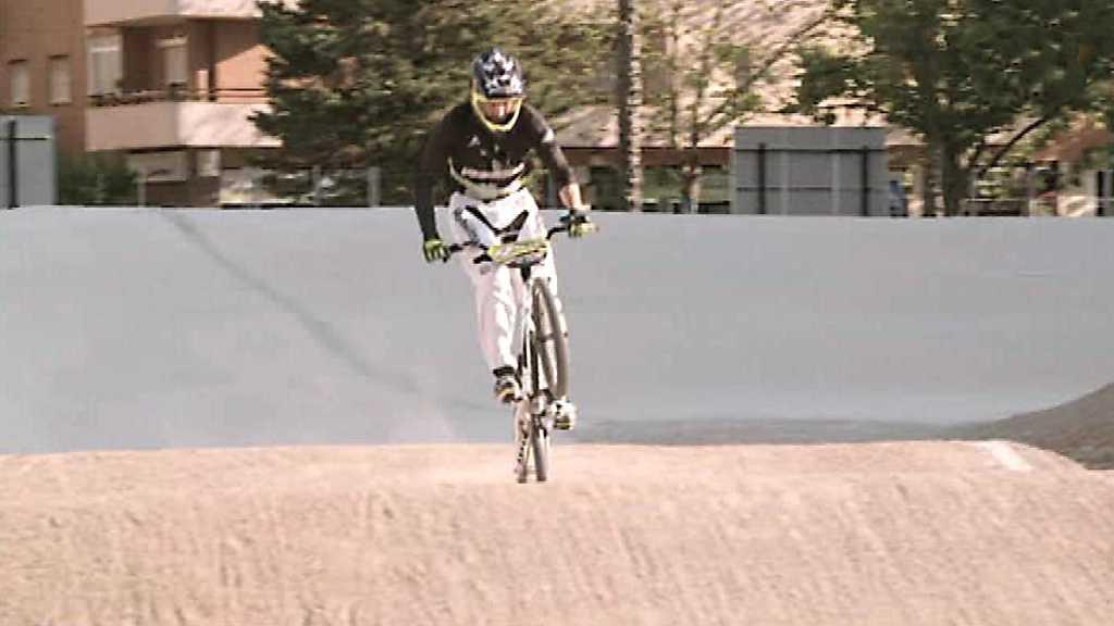 Jóvenes y deporte - Ciclismo BMX: Rubén Tanco