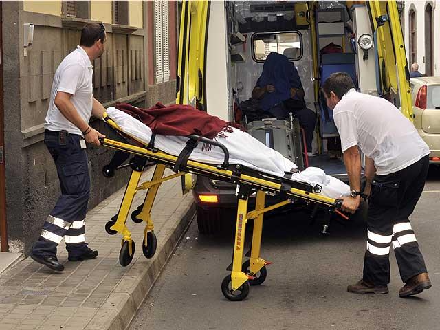 La Policía cierra un centro de mayores de Las Palmas y detiene a su director