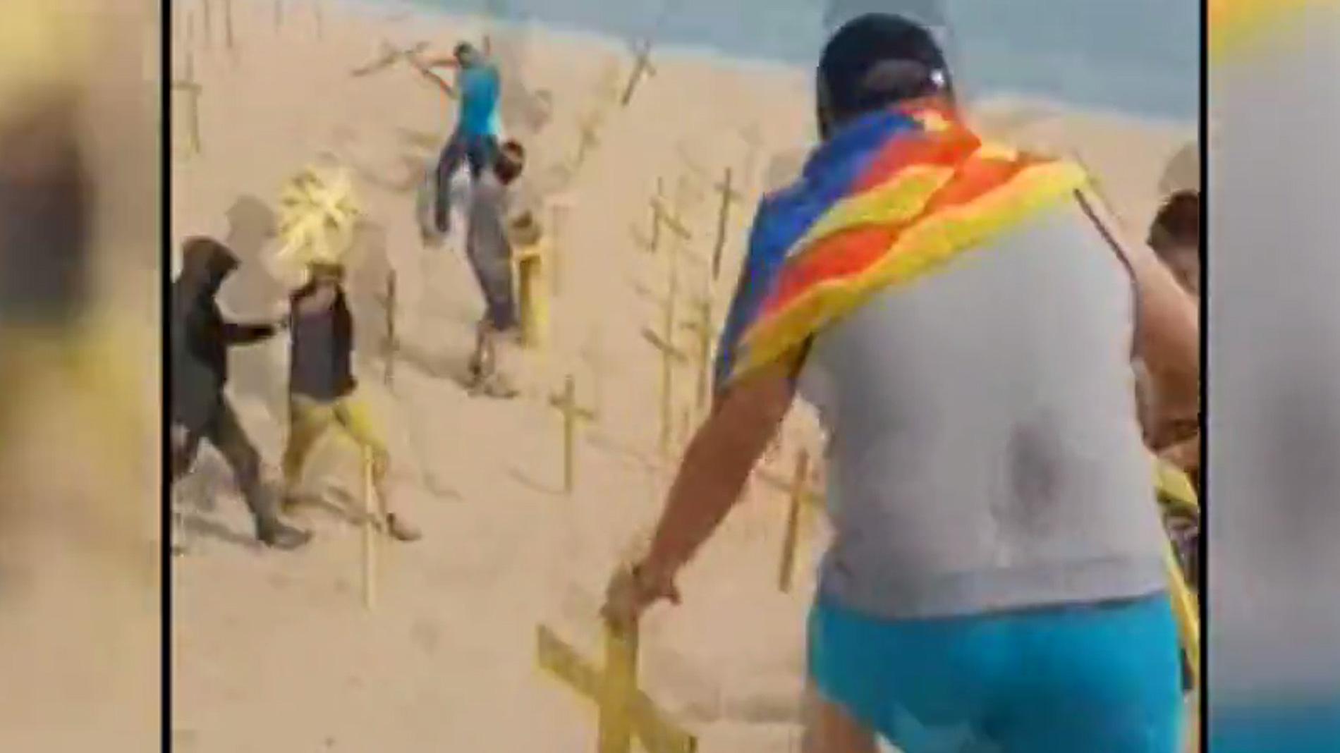Cinco heridos leves en un enfrentamiento por cruces amarillas en apoyo a los políticos presos en Canet de Mar