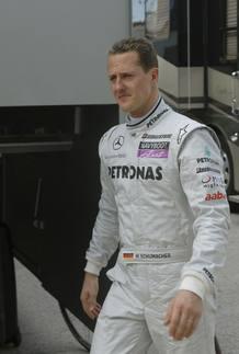 Alonso y Schumacher no fuerzan el 'pique' 1265901832391