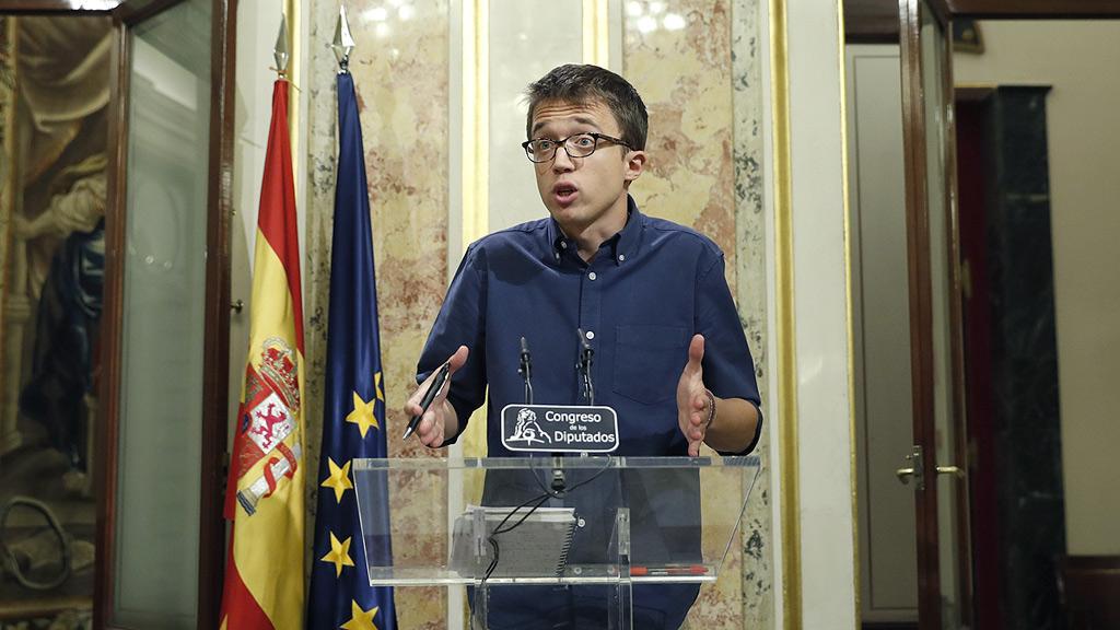 """Ciudadanos advierte a Rajoy de que estarán """"vigilantes"""" y Podemos se declara la única """"alternativa"""""""