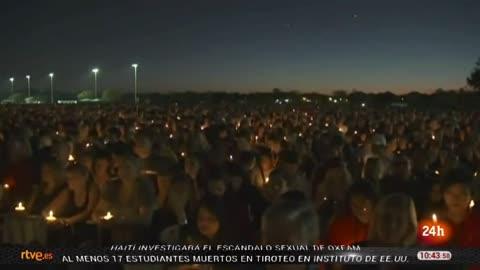El clamor por un mayor control de las armas marca la vigilia por los muertos de Parkland, Florida