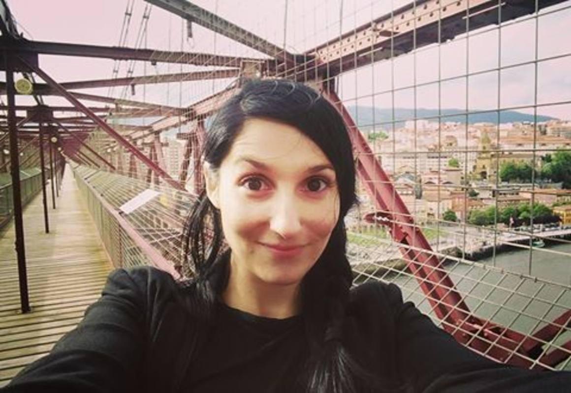 Clara Peñalver, en el Puente Vizcaya