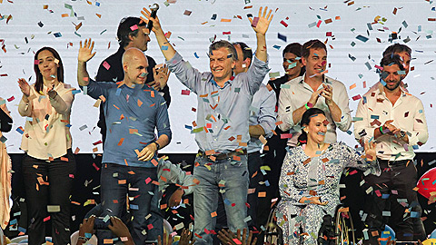 La coalición del presidente argentino, Mauricio Macri, arrasa en las elecciones legislativas de Argentina