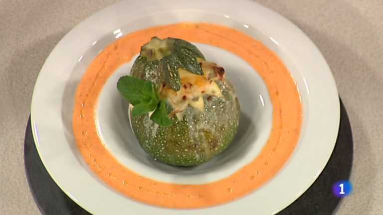 Cocina con sergio calabac n relleno gratinado for Cocina con sergio bizcocho