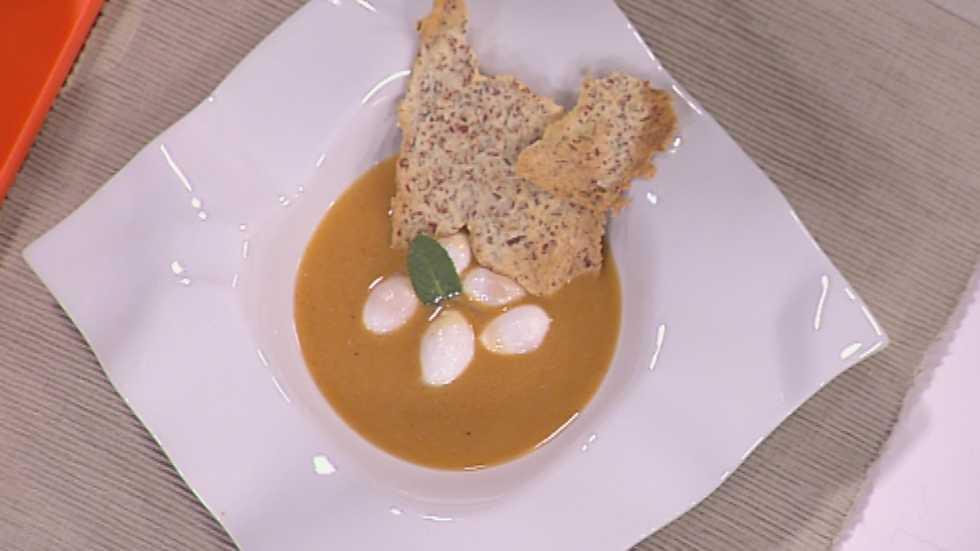 Www Rtve Cocina Con Sergio | Receta De Crema Suave De Ajo Y Chorizo Con Crujiente Iberico