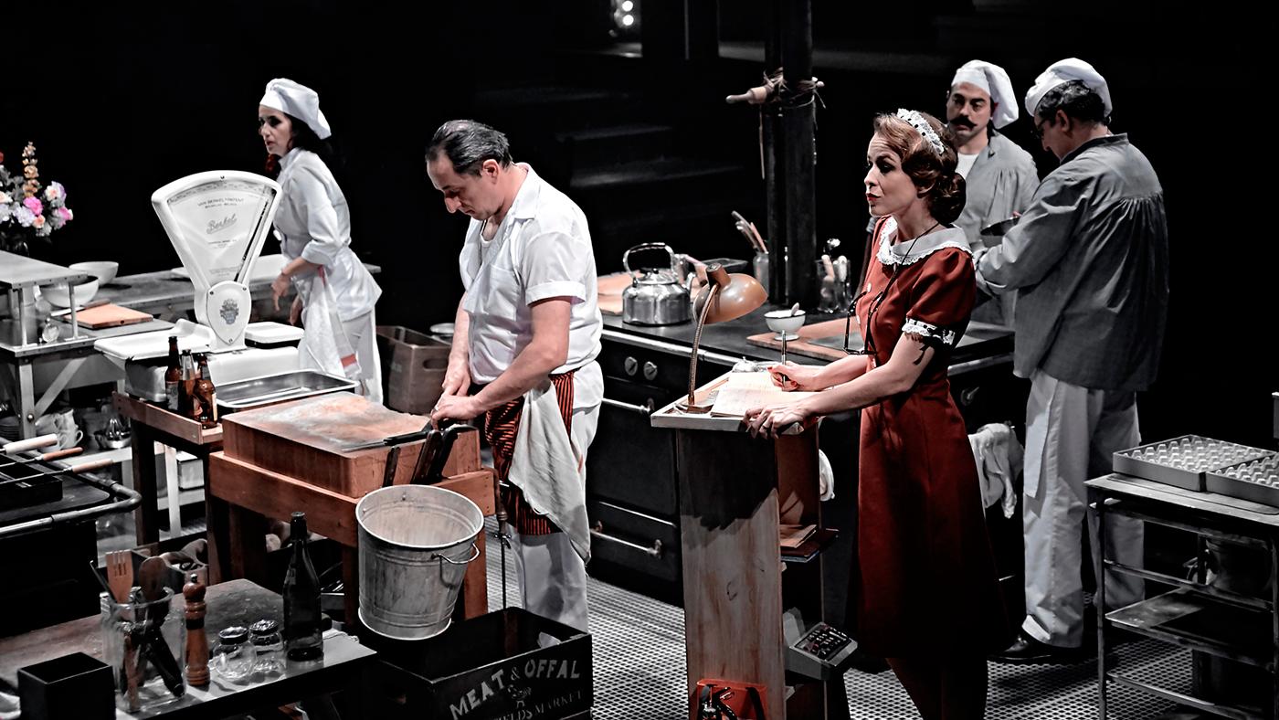 39 la cocina 39 teatro en 360 con 26 actores en escena for Teatro la cocina