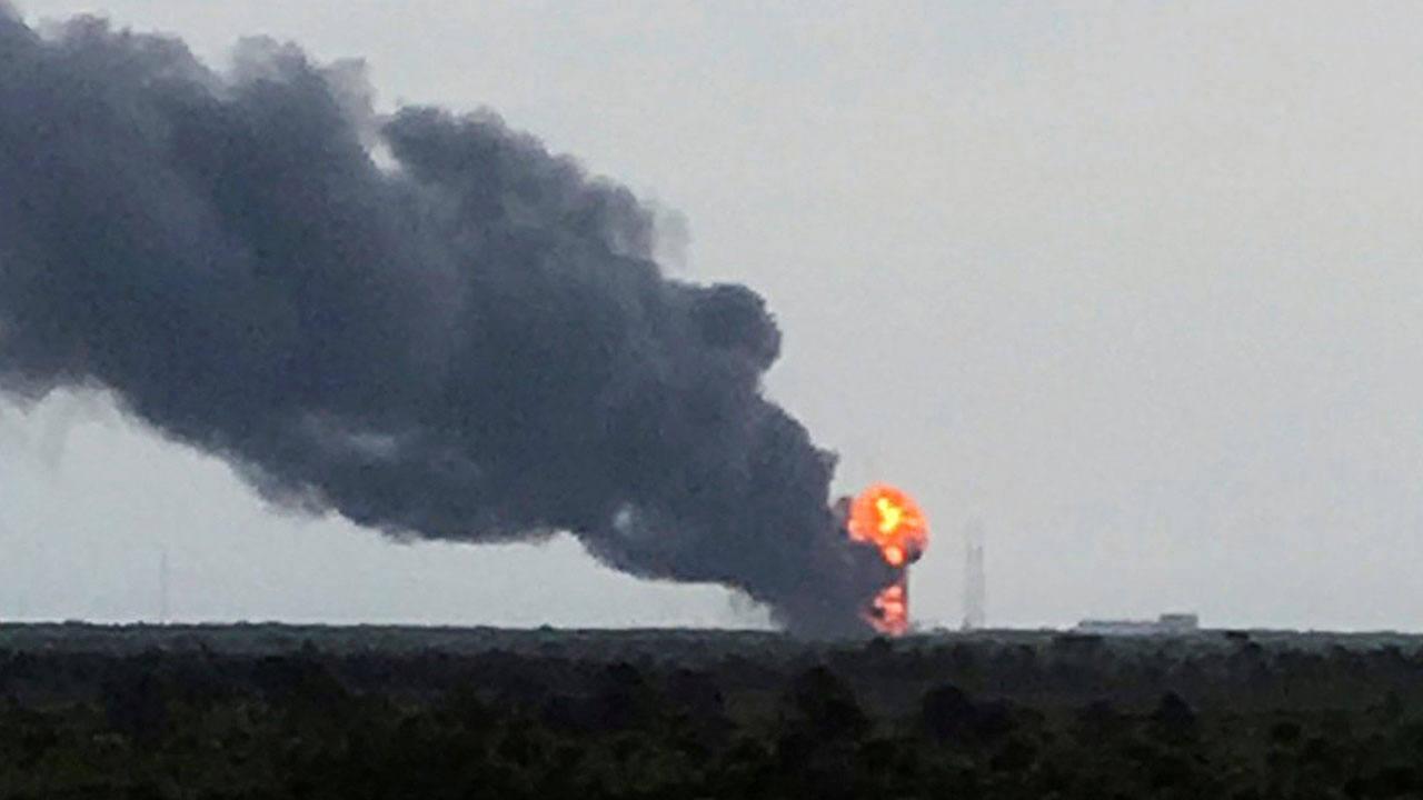 Un cohete Falcon 9 de Space X ha explotado este jueves en Caño Cañaveral