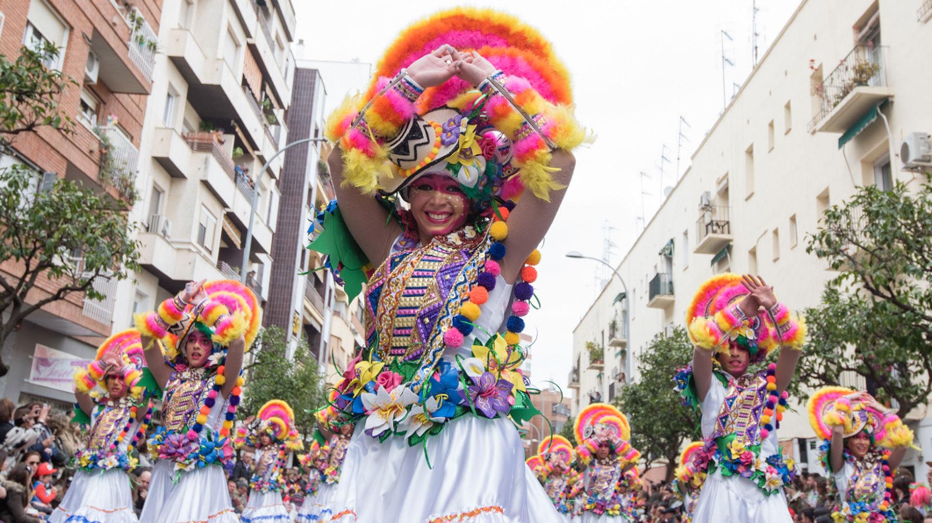 Comienzan el emblemático Carnaval en ciudades como Cádiz, Santa Cruz de Tenerife, Las Palmas y Badajoz