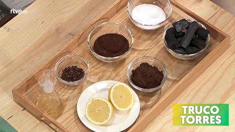 Trucos de cocina - Cómo eliminar los olores fuertes de los alimentos