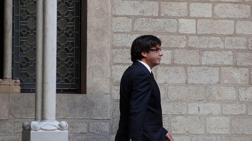Comparecencia íntegra de Puigdemont: descarta las elecciones y traslada la decisión sobre la DUI al Parlament