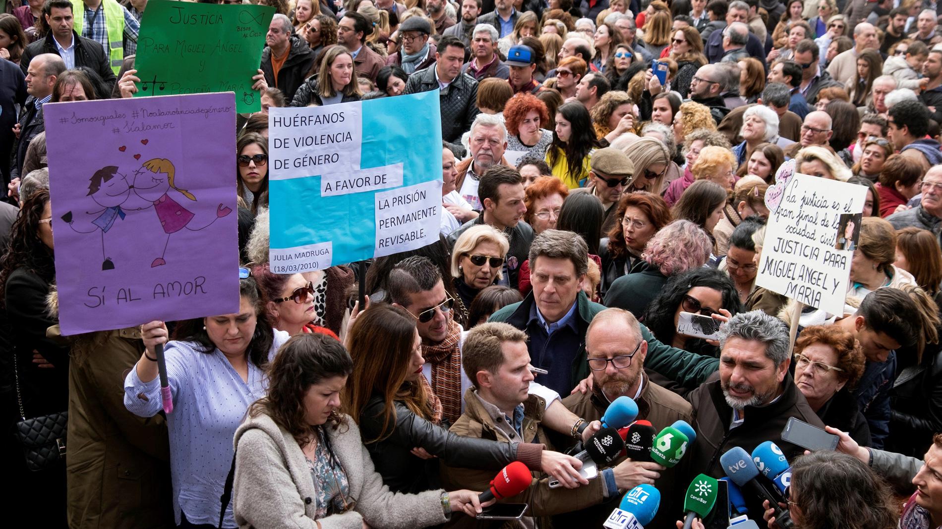 Concentraciones en más de 20 ciudades de España a favor de la prisión permanente revisable