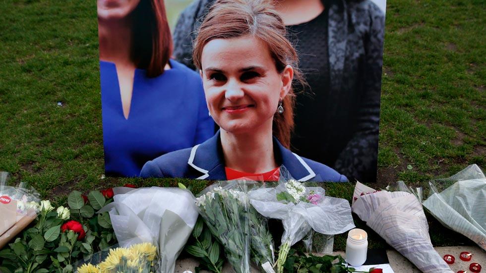 Conmoción en Reino Unido por el asesinato de una diputada laborista