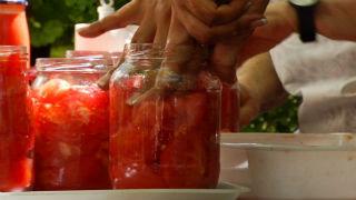 Aquí la tierra - Conservas de tomate con historias
