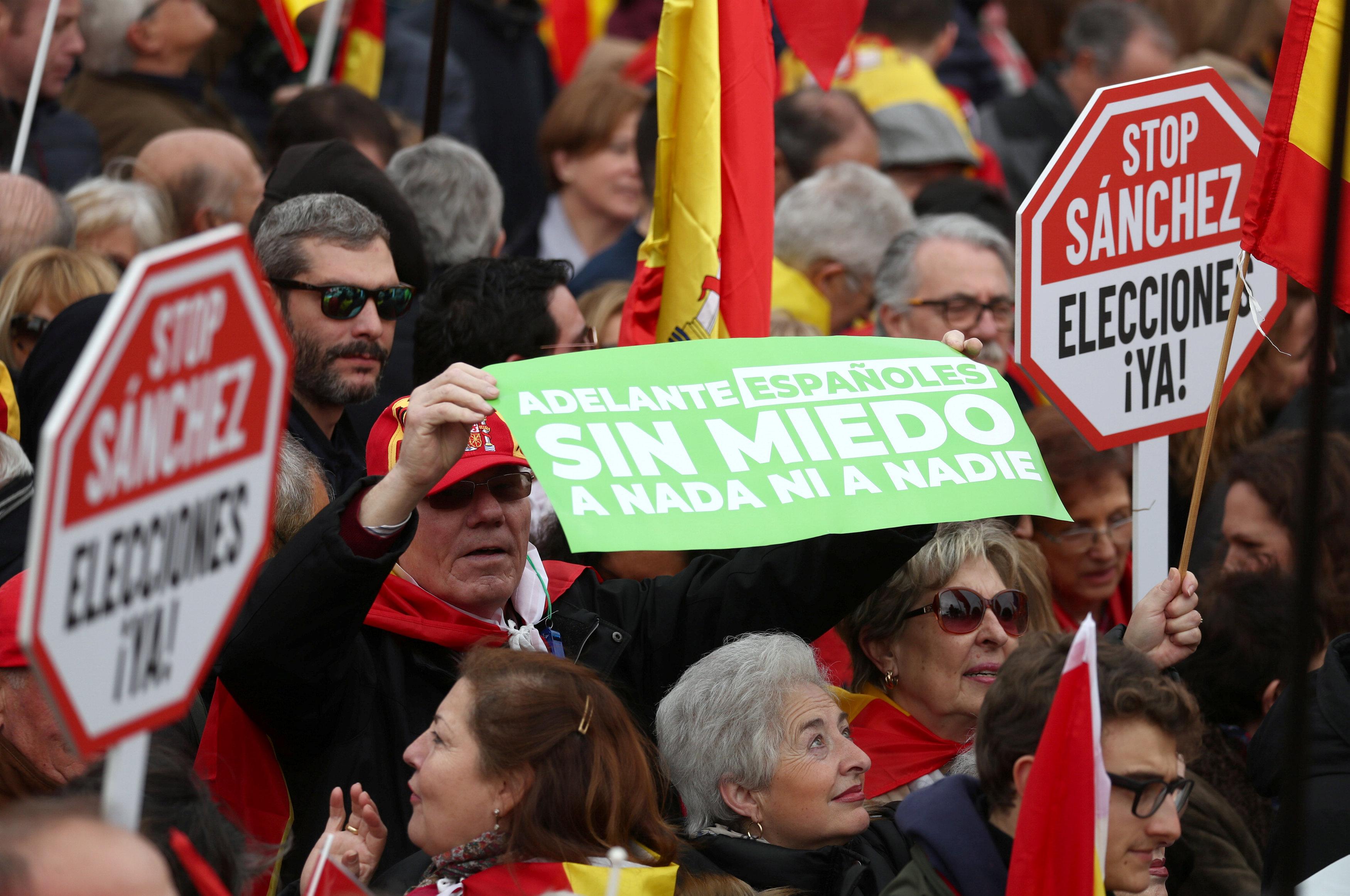 Continúan las reacciones a la manifestación de PP, Ciudadanos y Vox contra Sánchez