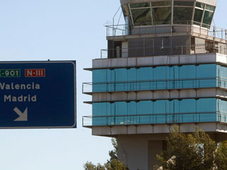 Ver vídeo 'Los controladores se reunieron en un hotel junto al aeropuerto de Barajas'