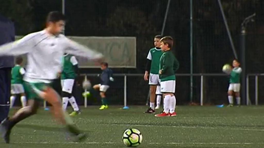 El Coruxo FC trata de dejar atrás el susto del incendio