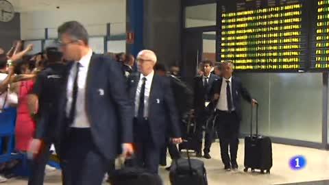 Cristiano acapara la atención en el regreso del Valencia a la Champions