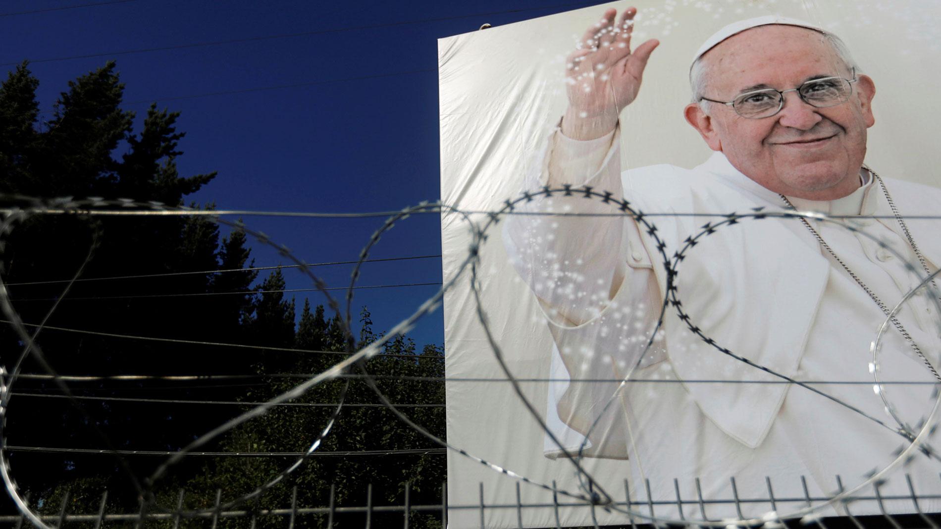 Críticas al Papa durante su visita a Chile por mantener a un obispo cuestionado por su actuación con los abusos sexuales