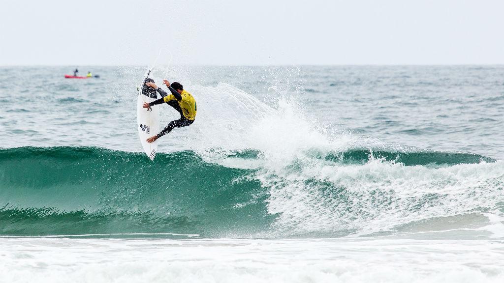 Cuatro españoles clasificados para la segunda ronda de los ISA World Surfing Games