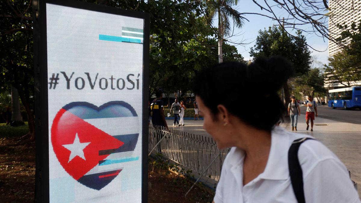 Cuba celebra un referéndum para ratificar la nueva Constitución y medir el apoyo de la ciudadanía al régimen