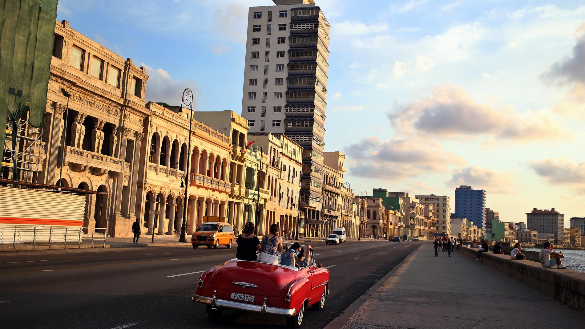 Los cubanos no esperan grandes cambios durante el mandato de Díaz-Canel