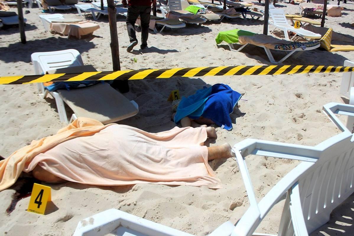 Cuerpos de los turistas asesinados en el complejo turístico de Susa, en Túnez.