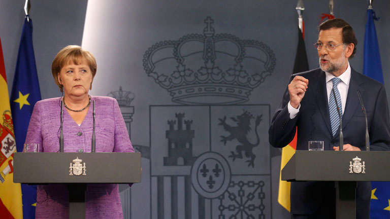 Merkel y Rajoy defienden el futuro del euro en la visita de la canciller a Madrid