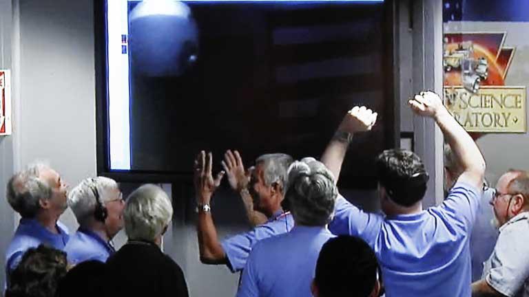 El robot Curiosity, el más avanzado que ha enviado la NASA a otro planeta, amartizó esta madrugada