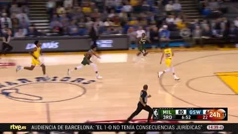Curry se lesiona y los Warriors caen ante los Bucks
