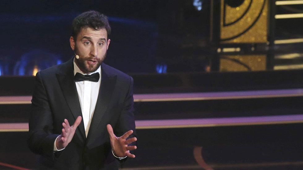 """Dani Rovira arranca la gala de los Goya 2015 con un mensaje para el ministro Wert: """"Enamórese de nosotros"""""""