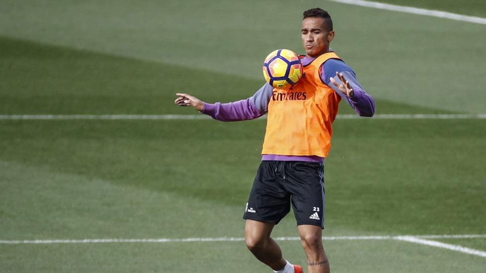 Danilo suena como recambio de Alves en la Juve