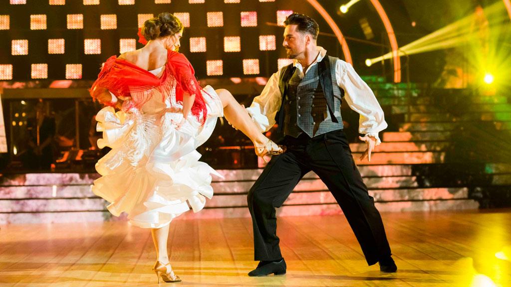 """Bailando con las estrellas - David Bustamante y Yana bailan """"Tres veces guapa"""""""