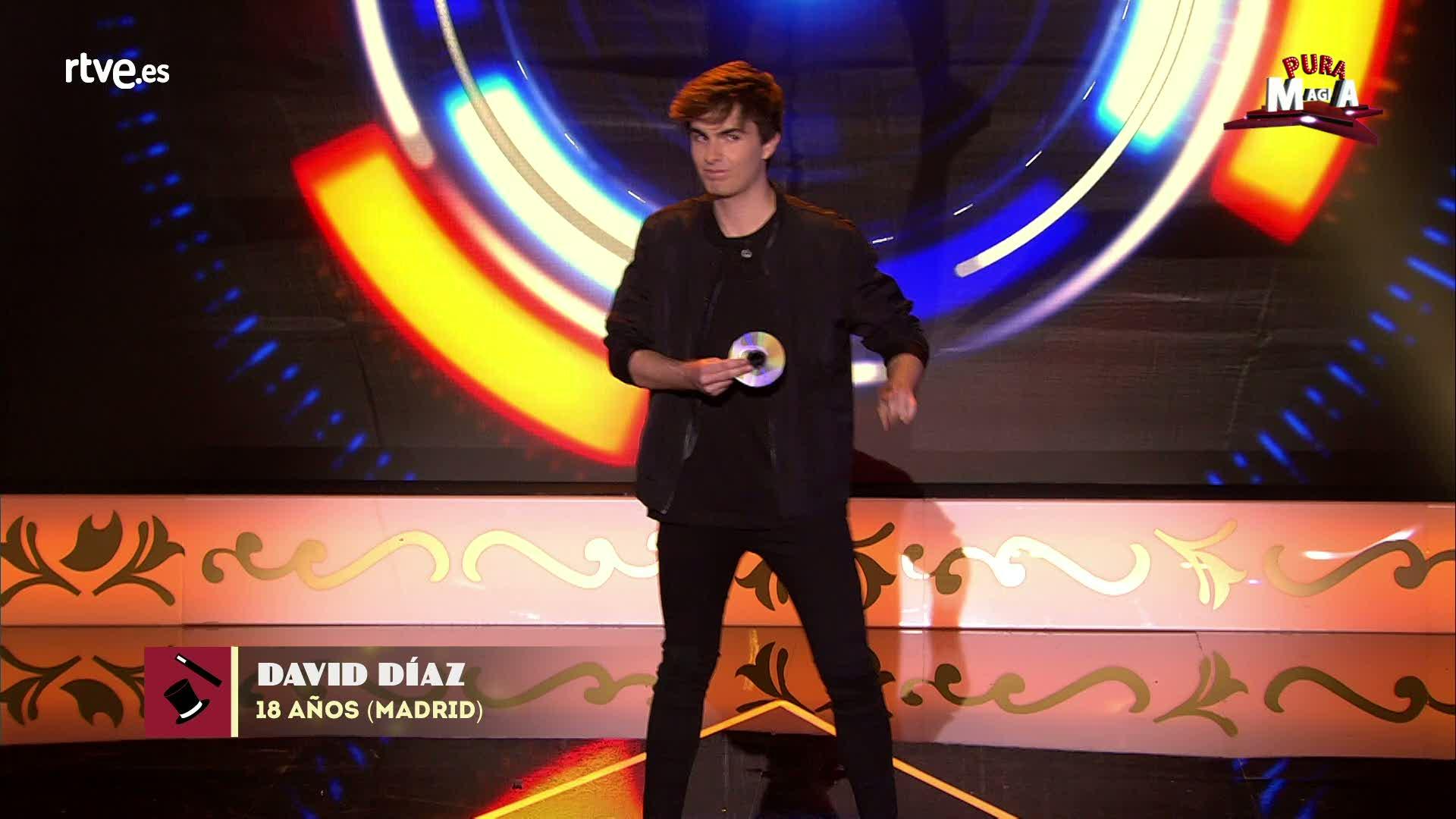 David Diaz nos sorprende con su manipulación de CD¿s