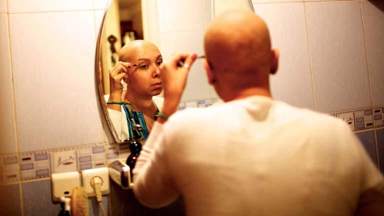 Piden unidades específicas para abordar el cáncer en adolescentes