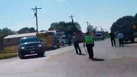 Decenas de muertos en un tiroteo en una iglesia baptista en Texas