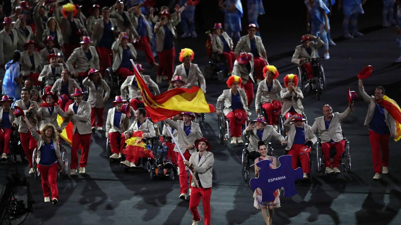 La delegación española desfila en el estadio de Maracaná