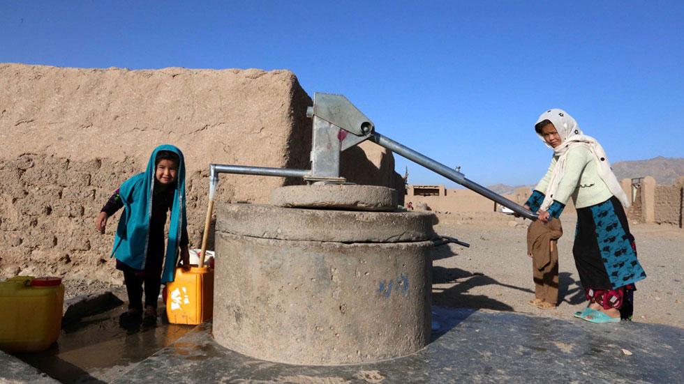 Los derechos de las mujeres en Afganistán, reconocidos en el papel pero no en la práctica