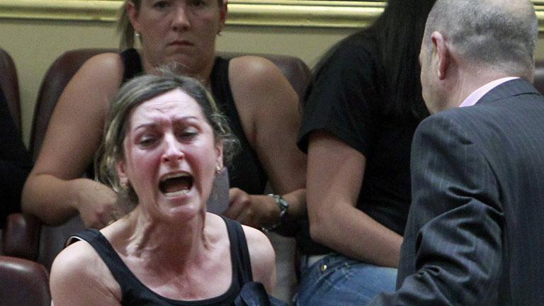 Desalojan del Congreso a las mujeres de los mineros por llamar mentiroso al diputado del PP Rafael Hernando