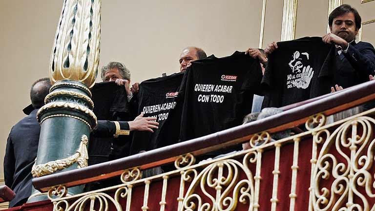 Desalojan a un grupo de mineros de la tribuna del Congreso tras exhibir camisetas reivindicativas