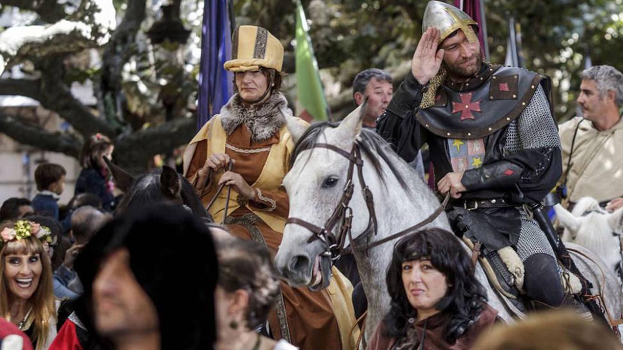 Desfile Cidiano en la mural