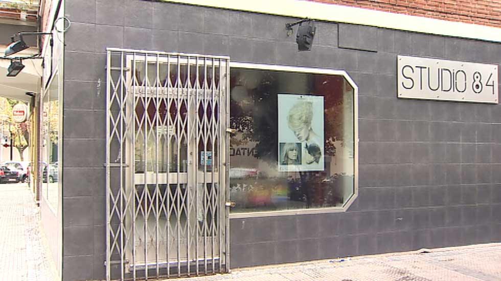 Desinfectan la peluquería de Alcorcón donde atendieron a Teresa Romero