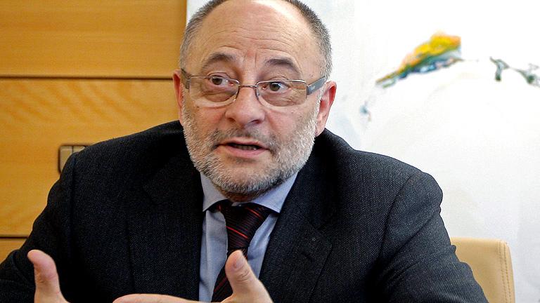 Detenido el alcalde de Ourense por un presunto delito de tráfico de influencias